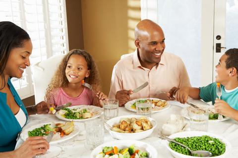 pour que vos enfants mangent plus de l gumes manger en famille. Black Bedroom Furniture Sets. Home Design Ideas